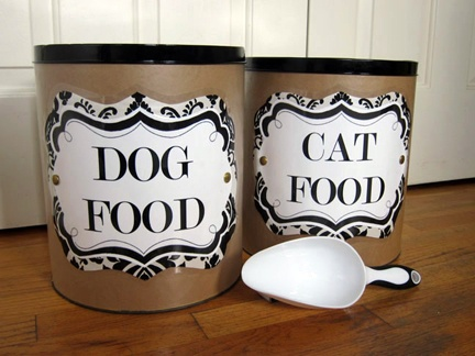Scrapbook paper, Modge Podge, paint, and an old oatmeal container and you've got a fabulous pet food container!: